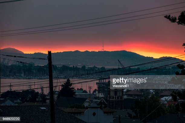 USA, California, view on Oakland bay at sunset