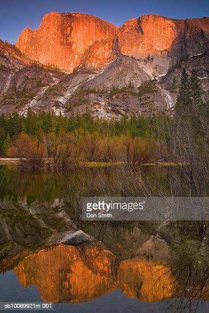 usa, california, yosemite national park, half dome reflects in mirror lake at sunset - don smith ストックフォトと画像