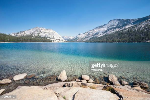 USA, California, Yosemite National Park, mountain lake