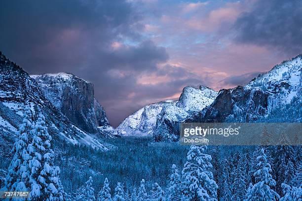 usa, california, yosemite national park, yosemite valley in winter - don smith stock-fotos und bilder