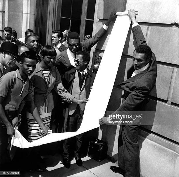 Call To Action Held Before The American Embassy In Paris Around We Recognize The Secretary Of Embassy The Writer James Baldwin The Actor William...