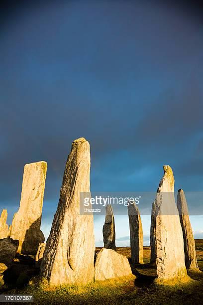 callanish standing stones, île de lewis - theasis photos et images de collection