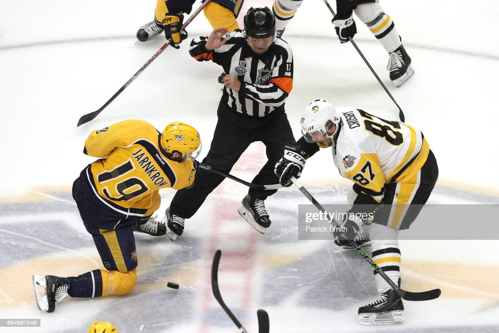2017 NHL Stanley Cup Final - Game Six : News Photo