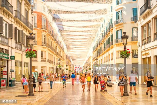 calle larios shopping street in downtown malaga spain - calle foto e immagini stock