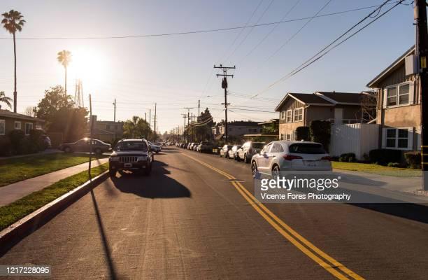 calle residencial en el segundo, los angeles - forens stock pictures, royalty-free photos & images