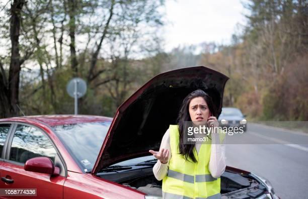 service d'appels d'urgence - accident de la route photos et images de collection