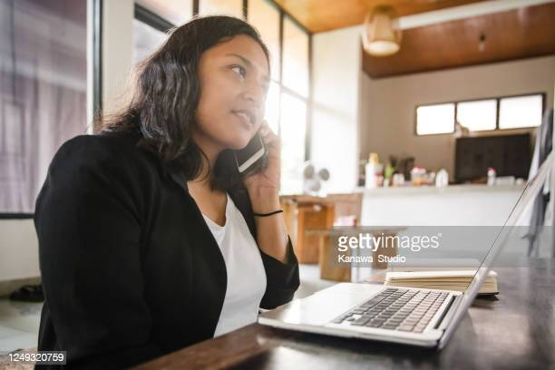 calling for job interview - job search stock pictures, royalty-free photos & images