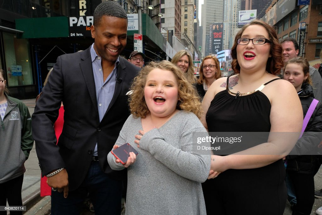 AJ Calloway interviews Alana 'Honey Boo Boo' Thompson and Lauryn 'Pumpkin' Shannon during their visit to 'Extra' in Times Square on February 22, 2017 in New York City.