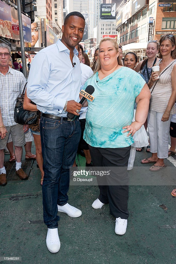 AJ Calloway (L) interviews Mama June during her visit to 'Extra' in Times Square on July 15, 2013 in New York City.