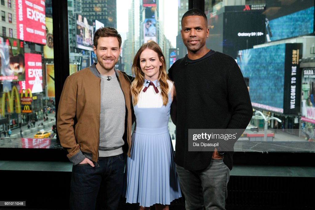 "Britt Robertson And Ben Rappaport Visit ""Extra"" : News Photo"