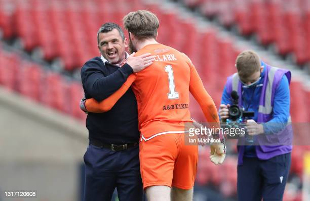 Callum Davidson, Manager of St Johnstone celebrates victory with Zander Clark of St Johnstone after the William Hill Scottish Cup Semi-Fianl match...