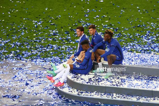 Callum Hudson-Odoi, Ben Chilwell, Mason Mount and Tammy Abraham of Chelsea take a moment to reflect following victory during the UEFA Champions...