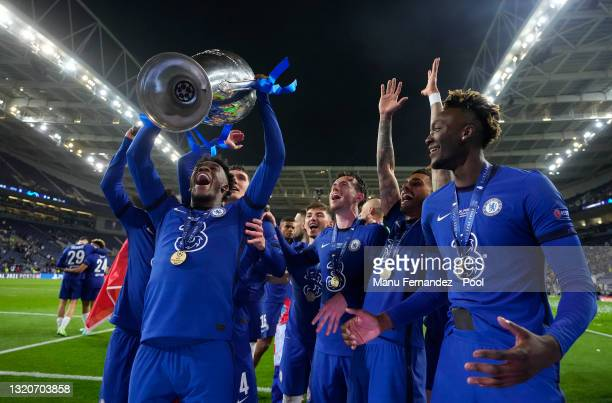 Callum Hudson-Odoi of Chelsea celebrates with the Champions League Trophy following their team's victory in the UEFA Champions League Final between...