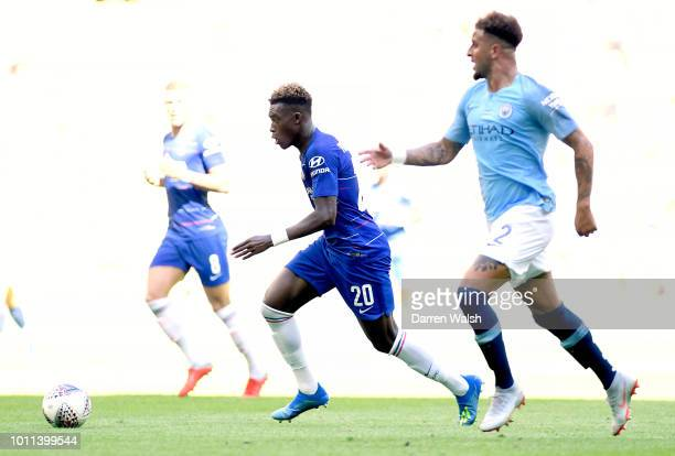 Callum HudsonOdoi of Chelsea is challenged by Kyle Walker of Manchester City during the FA Community Shield between Manchester City and Chelsea at...