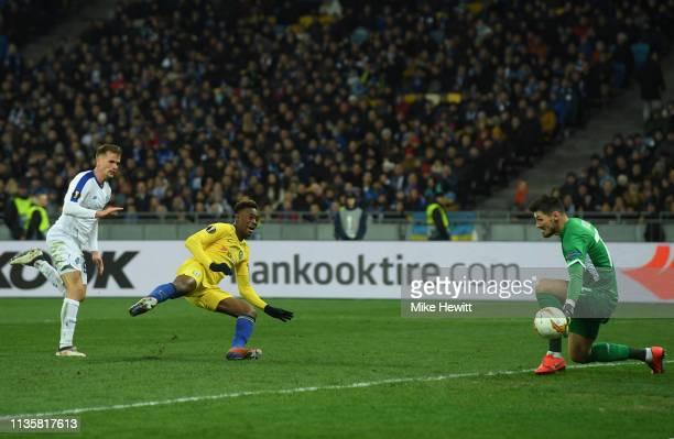 Callum HudsonOdoi of Chelsea scores his team's fifth goal past Denis Boiko of Dynamo Kyiv during the UEFA Europa League Round of 16 Second Leg match...