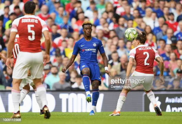 Callum HudsonOdoi of Chelsea takes on Hector Bellerin of Arsenal during the International Champions Cup 2018 match between Arsenal and Chelsea at the...