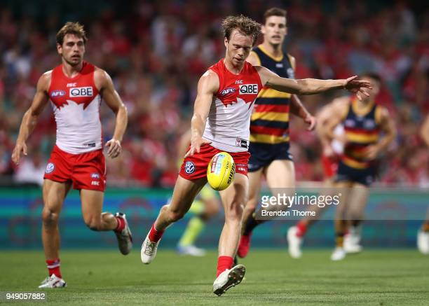 Callum Mills of the Swans kicks during the round five AFL match between the Sydney Swans and the Adelaide Crows at Sydney Cricket Ground on April 20...
