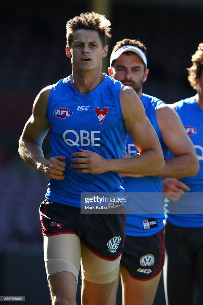 Callum Sinclair runs during a Sydney Swans AFL training session at Sydney Cricket Ground on August 22, 2017 in Sydney, Australia.