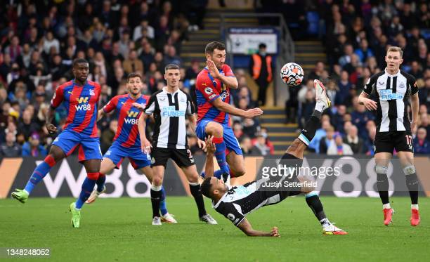 Callum Wilson of Newcastle United scores their side's first goal during the Premier League match between Crystal Palace and Newcastle United at...