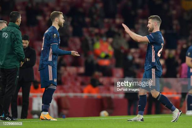 Calum Chambers of Arsenal and Shkodran Mustafi of Arsenal substitute during the UEFA Europa League Group B stage match between Arsenal FC and Rapid...