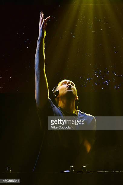 Calvin Harris performs onstage during iHeartRadio Jingle Ball 2014 hosted by Z100 New York and presented by Goldfish Puffs at Madison Square Garden...