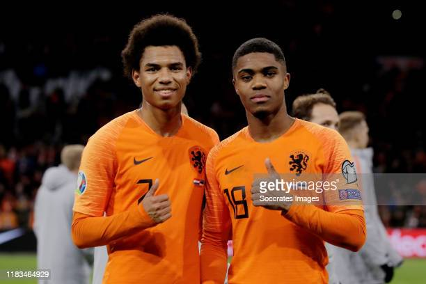 Calvin Stengs of Holland, Myron Boadu of Holland celebrates the victory during the EURO Qualifier match between Holland v Estonia at the Johan...
