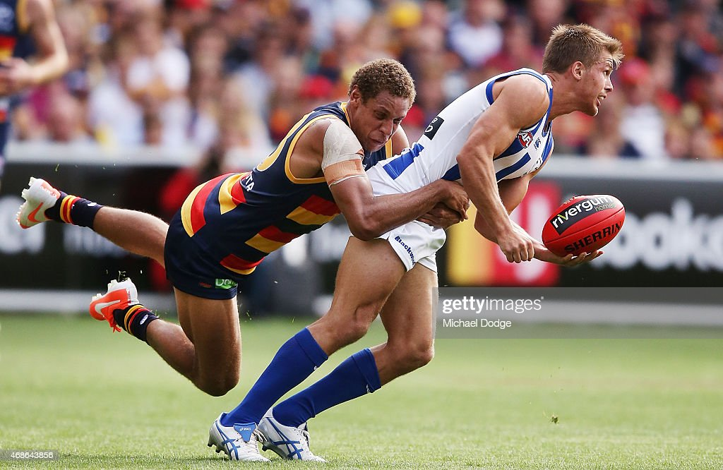 AFL Rd 1 - Adelaide v North Melbourne : News Photo