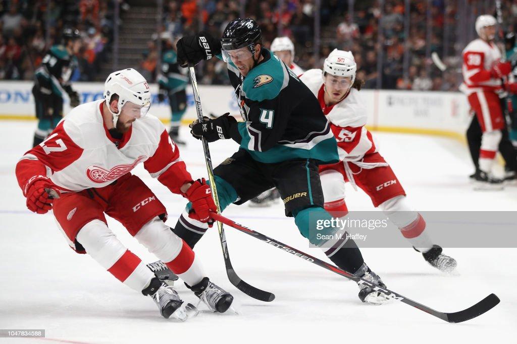 Detroit Red Wings v Anaheim Ducks : Nachrichtenfoto