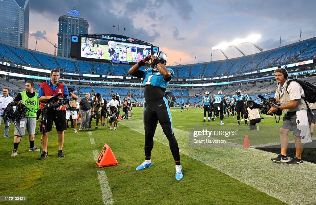 Tampa Bay Buccaneers vCarolina Panthers : News Photo