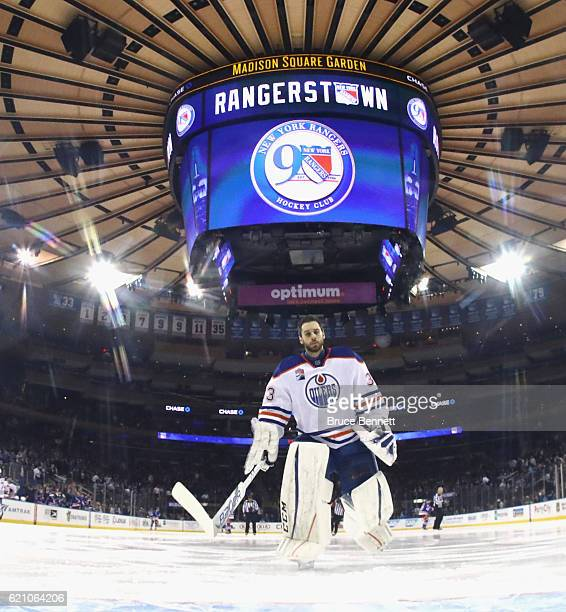 Cam Talbot of the Edmonton Oilers prepares to play against the New York Rangers at Madison Square Garden on November 3 2016 in New York City The...