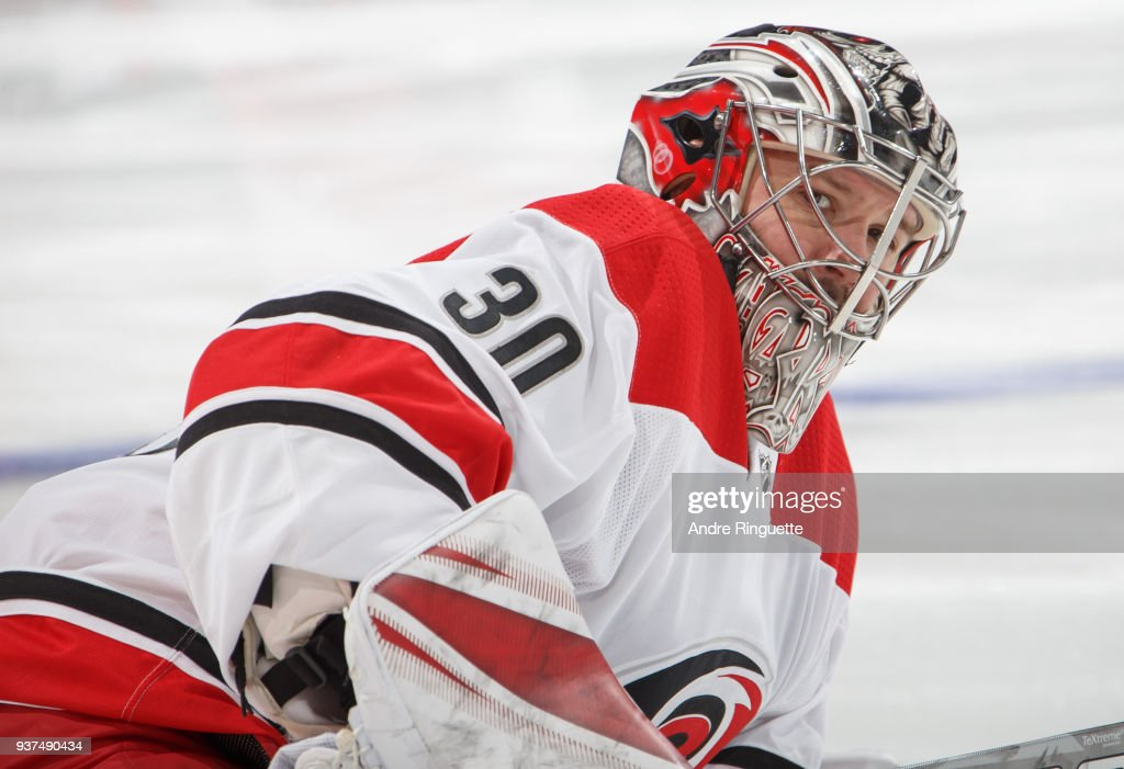 Carolina Hurricanes v Ottawa Senators