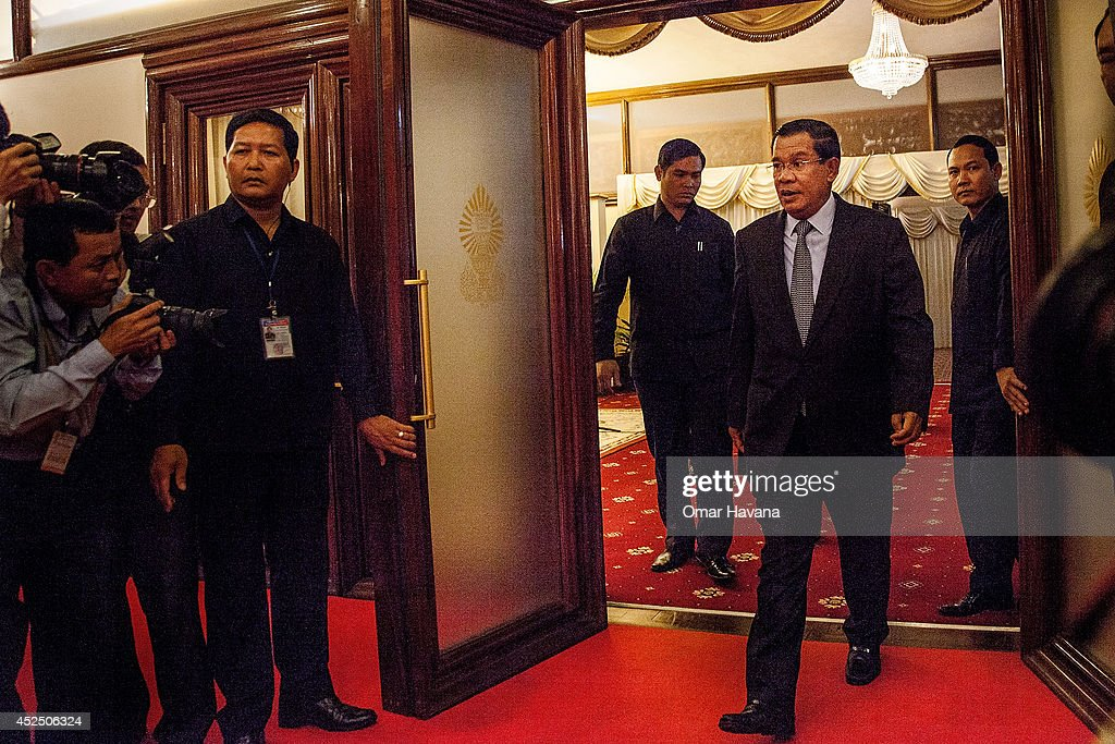 Pm Hun Sen & Opposition Leader Sam Rainsy Hold Talks In Phnom Penh