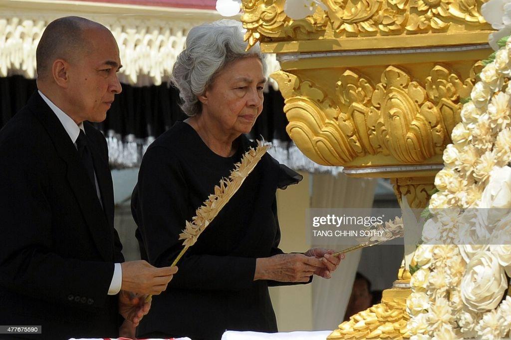 CAMBODIA-POLITICS-RELIGION : News Photo