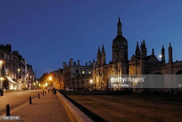 cambridge at night, cambridgeshire, england, uk - cambridge cambridgeshire imagens e fotografias de stock