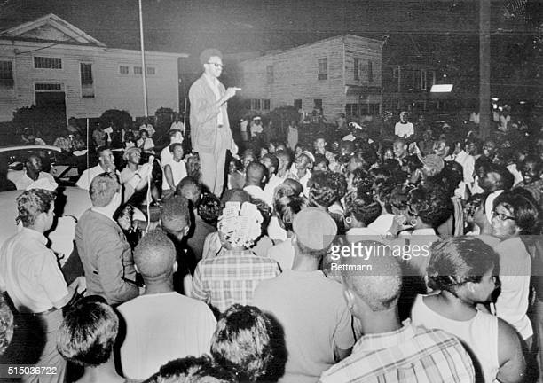 Rap Brown student NonViolent Coordinating Committee leader speaks to crowd of about 250 in Cambridge last night Brown fresh from the Black Power...
