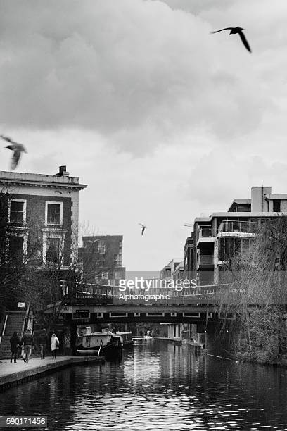 camden canal - camden london stock pictures, royalty-free photos & images