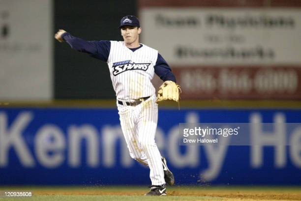 Camden Riversharks shortstop Stephen Drew against the Nashua Pride Thursday, April 28, 2005 at Campbell's Field in Camden, NJ. Drew is a 2004 first...