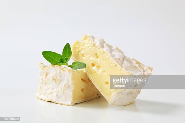 カマンベールチーズ - チーズ ストックフォトと画像
