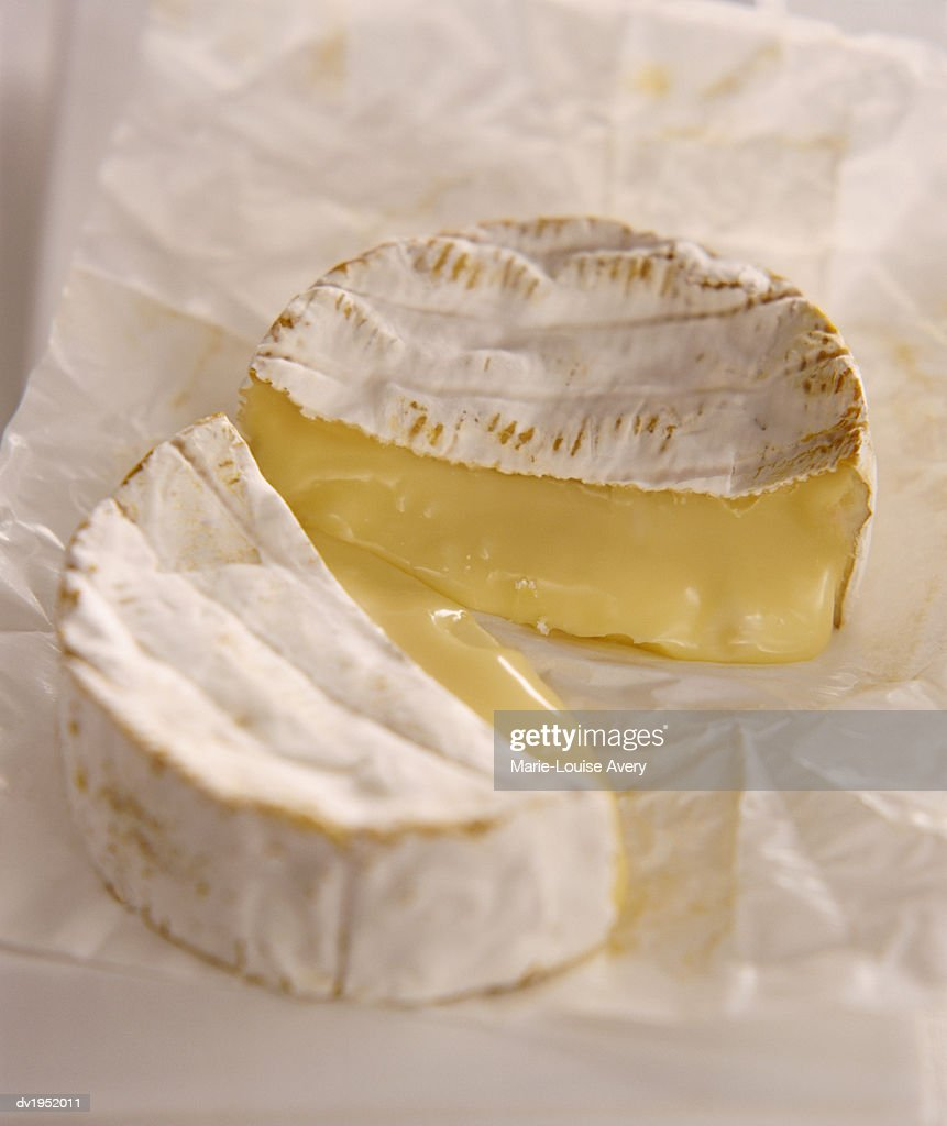 Camembert : Stock Photo