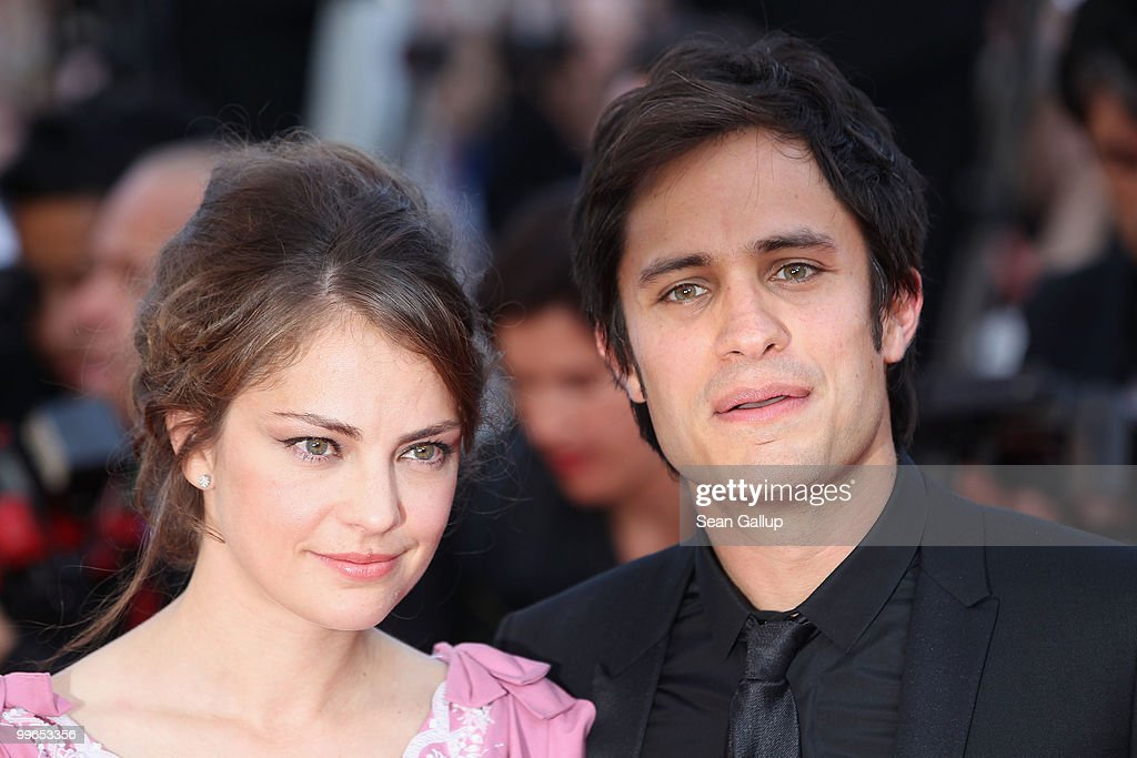 Camera D'or Jury President Gael Garcia Bernal and girlfriend Dolores Fonzi attends 'Biutiful' Premiere at the Palais des Festivals during the 63rd Annual Cannes Film Festival on May 17, 2010 in Cannes, France.