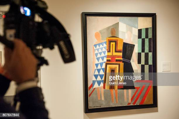 Films Painting A Camera Simultaneos' The 'vestidos During Press dxBCoreW