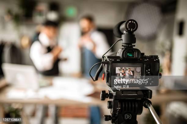 camera aan, geluid aan - camera stockfoto's en -beelden