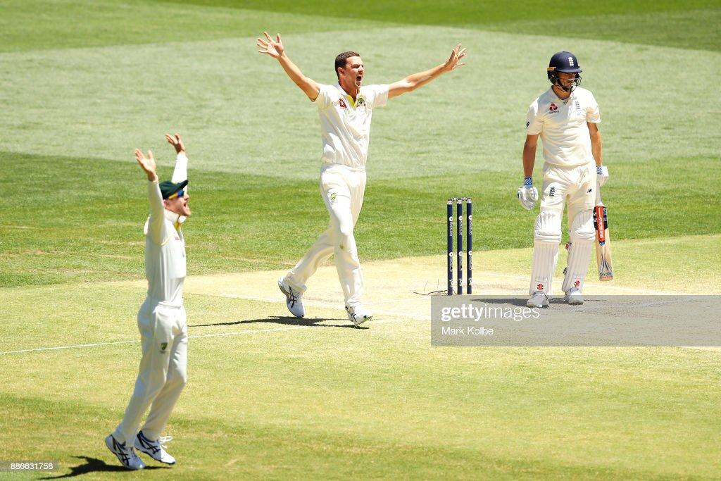 Australia v England - Second Test: Day 5 : News Photo
