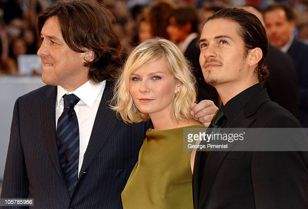 Cameron Crowe Kirsten Dunst and Orlando Bloom during 2005 Venice Film Festival Elizabethtown Premiere at Palazzo del Cinema in Venice Lido Italy
