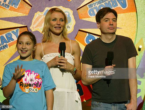 Cameron Diaz and Mike Myersl during Nickelodeon's 17th Annual Kids' Choice Awards at Pauley Pavilion on the campus of UCLA April 3 2004 in Westwood...
