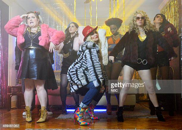 LIVE 'Cameron Diaz' Episode 1669 Pictured Aidy Bryant Vanessa Bayer Cameron Diaz Sasheer Zamata Kate McKinnon and Cecily Strong during the 'Back Home...