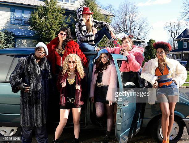 LIVE 'Cameron Diaz' Episode 1669 Pictured Leslie Jones Cecily Strong Kate McKinnon Cameron Diaz Vanessa Bayer Aidy Bryant and Sasheer Zamata during...