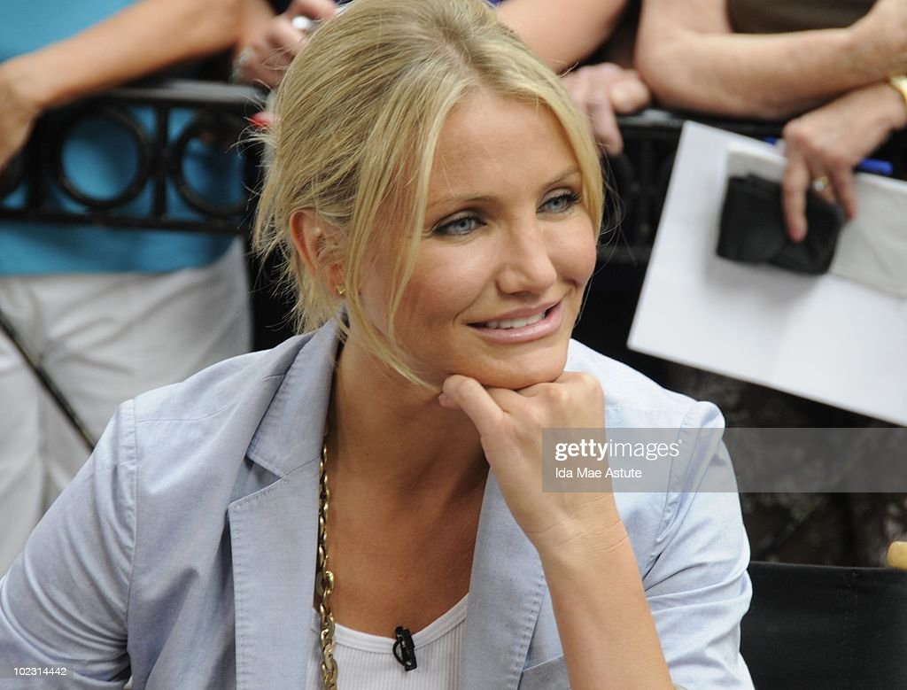 AMERICA - Cameron Diaz is pictured in Times Square for an appearance on GOOD MORNING AMERICA, 6/22/10 airing on the ABC Television Network. GM10 (Photo by Ida Mae Astute/ABC via Getty Images) CAMERON