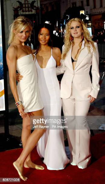 Cameron Diaz, Lucy Liu and Drew Barrymore arriving for the premiere of Charlie's Angels 2: Full Throttle at the Grauman's Chinese Theatre, in...
