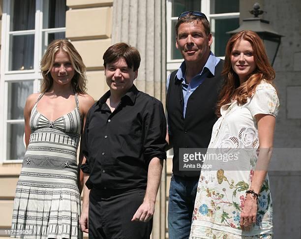 Cameron Diaz, Mike Myers, Sascha Hehn and Esther Schweins